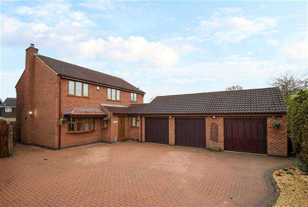 4 Bedrooms Detached House for sale in The Flax Ovens, Penkridge, Stafford