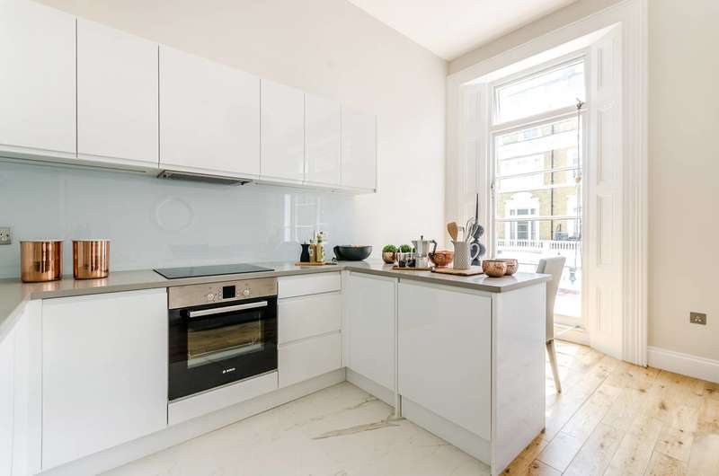 2 Bedrooms Flat for sale in Nevern Place, Earls Court, SW5