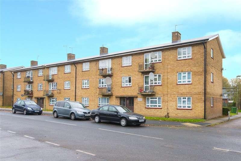 3 Bedrooms Flat for sale in Bushfield Crescent, Edgware, HA8