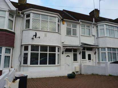 3 Bedrooms Terraced House for sale in Evelyn Avenue, Colindale, London
