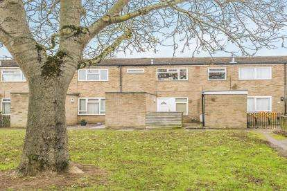 1 Bedroom Maisonette Flat for sale in Southwark Close, Stevenage, Hertfordshire, England