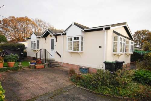2 Bedrooms Park Home Mobile Home for sale in Hillbury Park, Alderholt, Fordingbridge