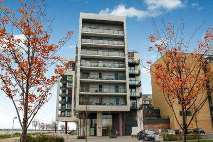 2 Bedrooms Flat for sale in Eddystone House, Ferry Court, Cardiff, Caerdydd