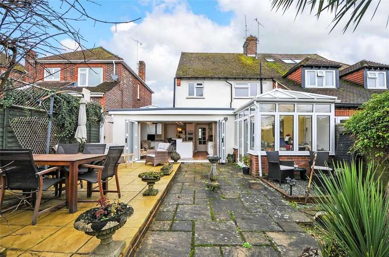 4 Bedrooms Semi Detached House for sale in Maxwell Road, Arundel, West Sussex, BN18