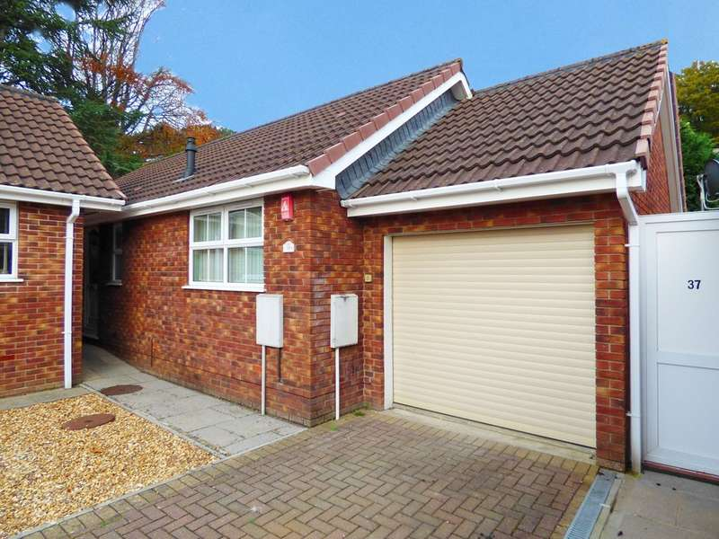 2 Bedrooms Detached Bungalow for sale in Meadow View Road, Plympton, Plymouth