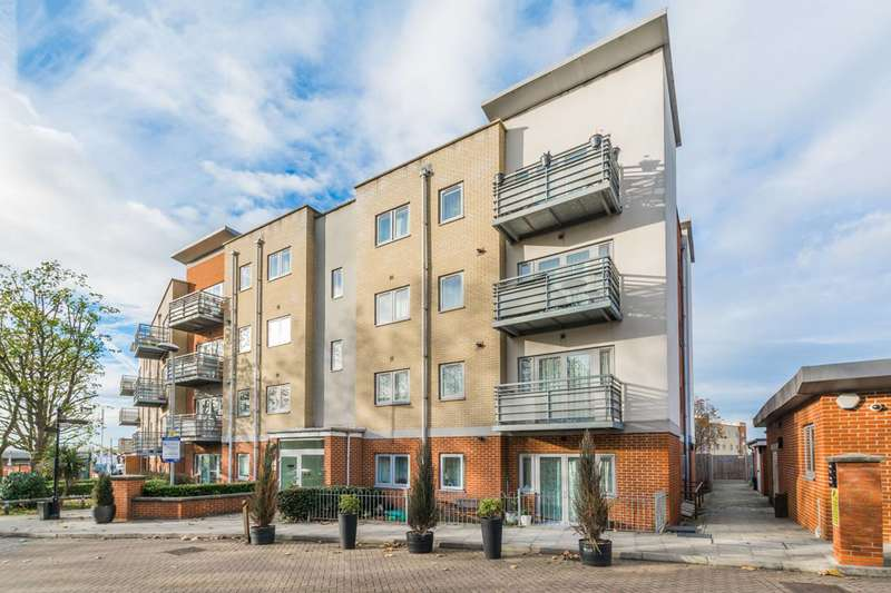 2 Bedrooms Flat for sale in Hawker Place, Walthamstow, E17
