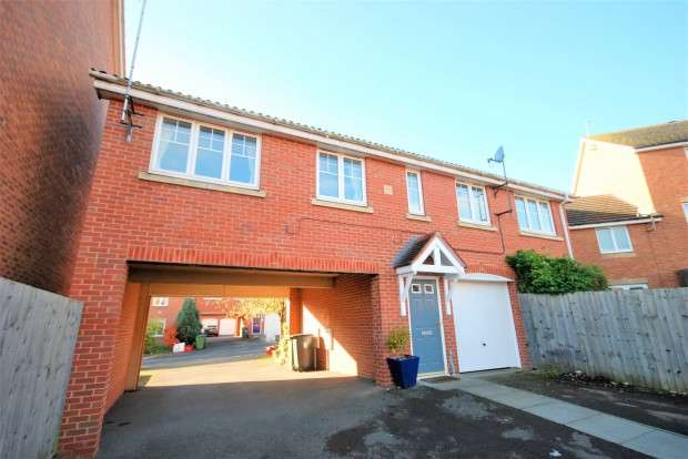 2 Bedrooms Apartment Flat for rent in Narrow Hall Meadow, Warwick, CV34