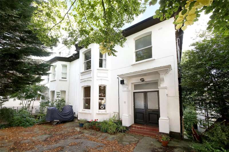 4 Bedrooms Apartment Flat for sale in Victoria Crescent, London