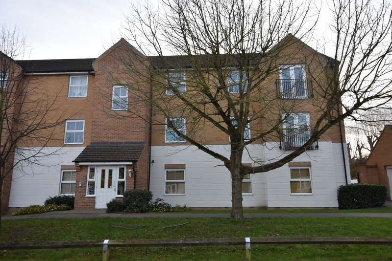 2 Bedrooms Flat for sale in Harvest End, Garston, Watford