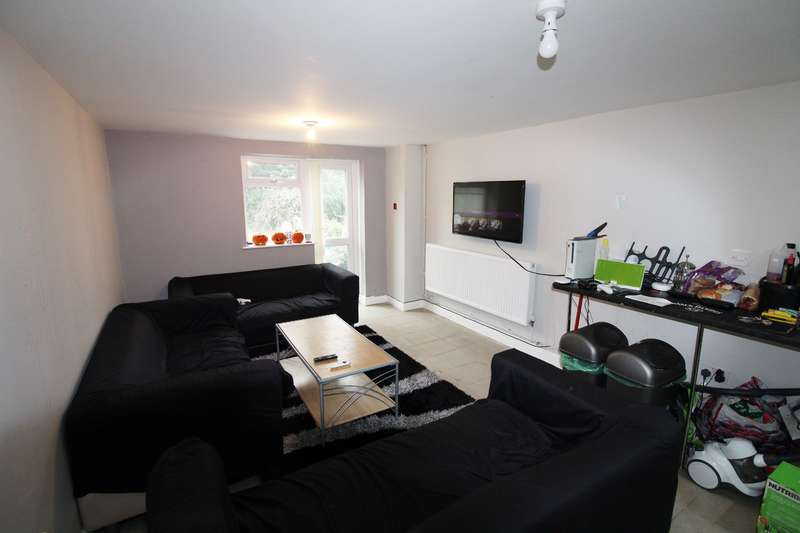 7 Bedrooms House for rent in Hirwain Street, Cathays, Cardiff
