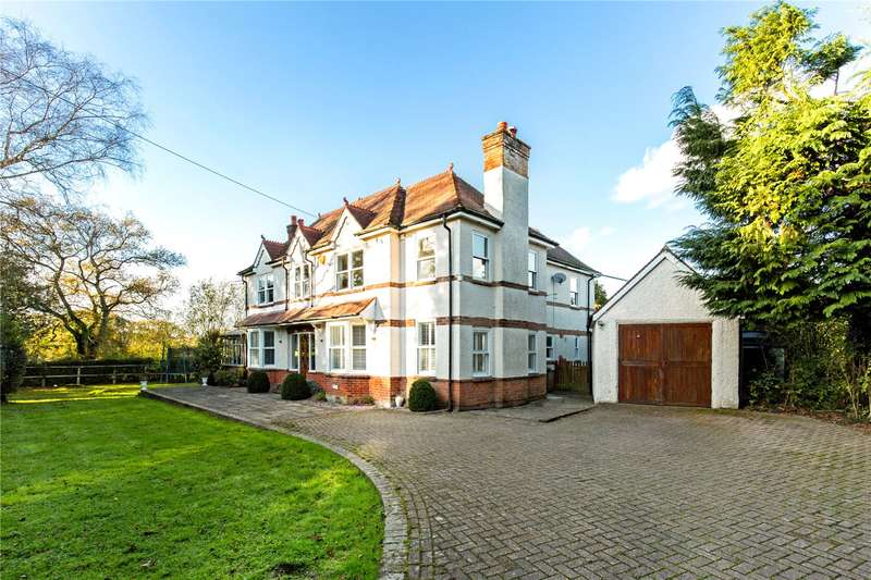 5 Bedrooms Detached House for sale in Handcross Road, Plummers Plain, Horsham, West Sussex, RH13