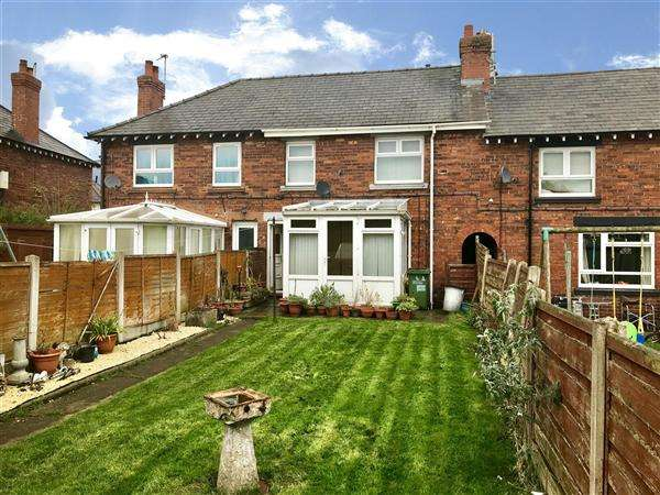 3 Bedrooms Terraced House for sale in Mayfield Avenue, Macclesfield