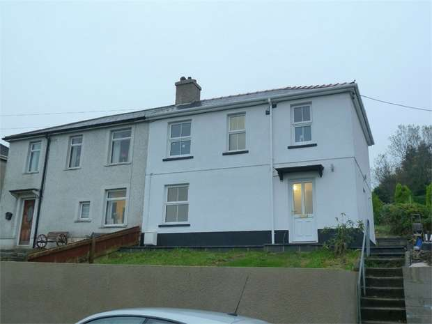 3 Bedrooms Semi Detached House for sale in Heol Cynwyd, Llangynwyd, Maesteg, Mid Glamorgan
