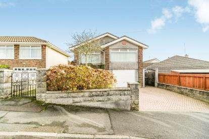 2 Bedrooms Bungalow for sale in Elburton, Plymstock, Plymouth