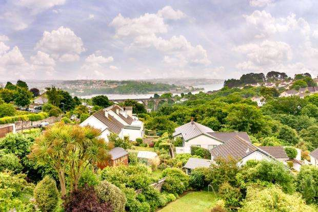 5 Bedrooms Semi Detached House for sale in Higher Port View, Saltash, Cornwall