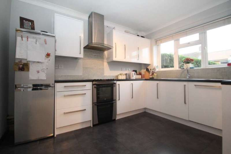 2 Bedrooms End Of Terrace House for sale in 2 DOUBLE BED END OF TERRACE FAMILY HOME