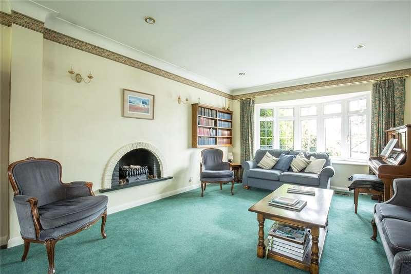 4 Bedrooms Detached House for sale in Quinta Drive, Arkley, Hertfordshire, EN5
