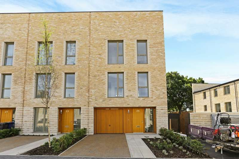4 Bedrooms End Of Terrace House for rent in Fry Lane Edgware HA8