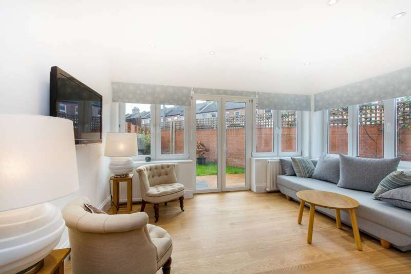 3 Bedrooms House for sale in Lilian Road, Streatham Vale, SW16