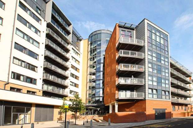 2 Bedrooms Apartment Flat for rent in Gabrielle House 332-336 Perth Road, Ilford, IG2