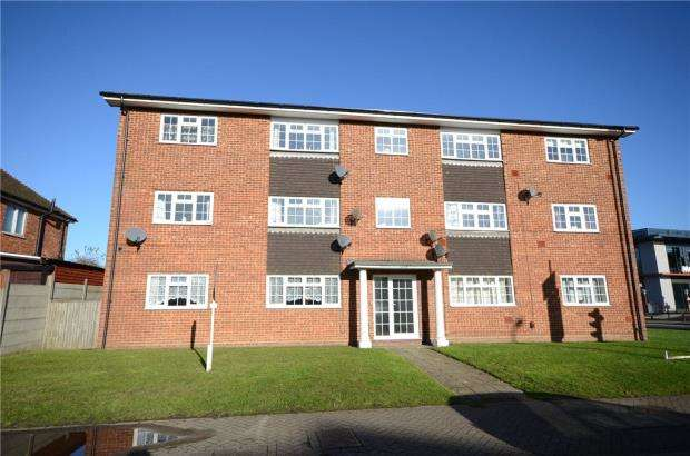 3 Bedrooms Apartment Flat for sale in Ash Road, Aldershot, Hampshire