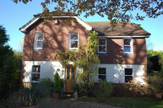 4 Bedrooms Detached House for sale in Rowledge, Farnham, Surrey