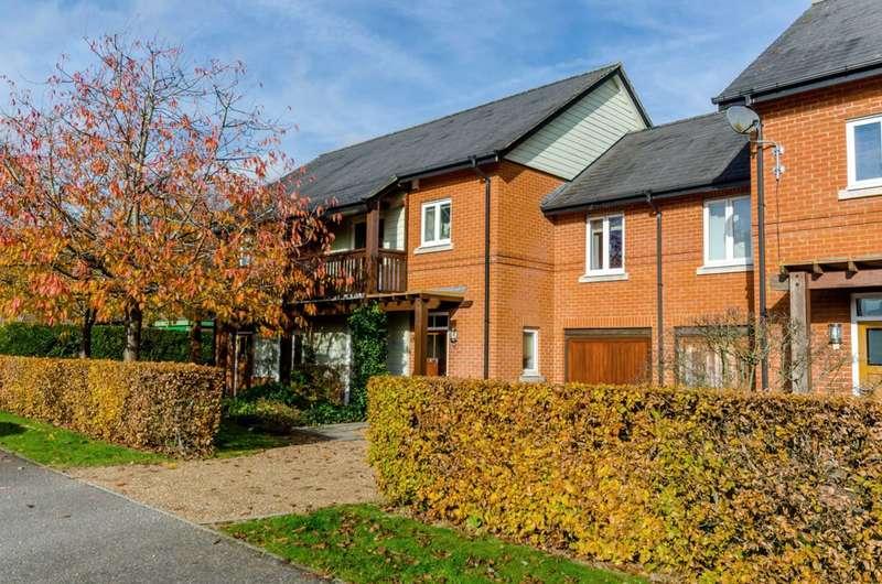 4 Bedrooms Terraced House for sale in Tylehost, Queen Elizabeth Park, GU2