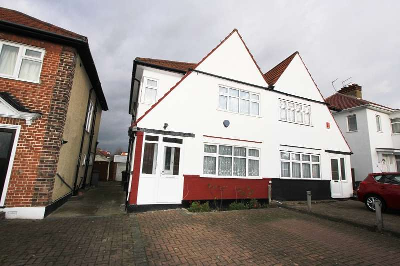 3 Bedrooms Property for sale in Deans Lane, Edgware, Greater London. HA8 9PH