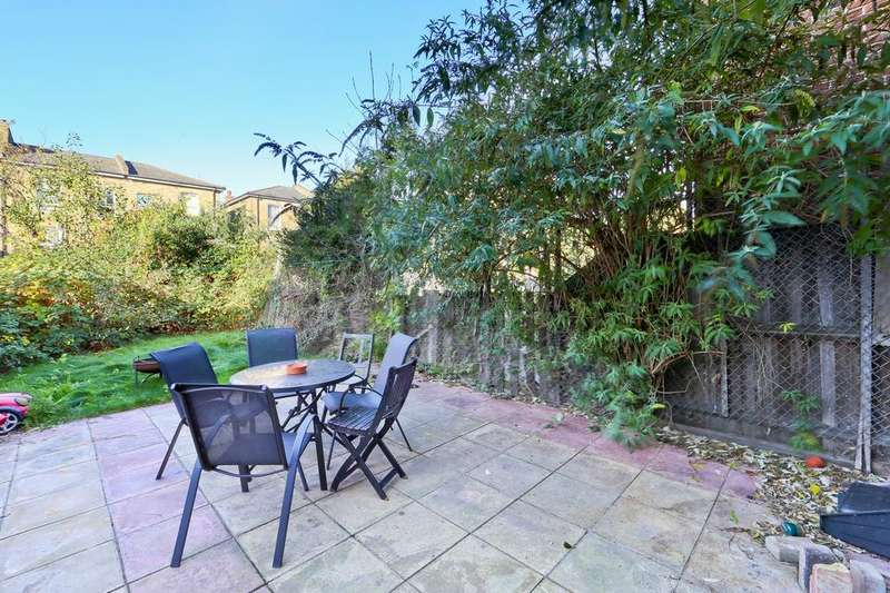 5 Bedrooms House for sale in Grand Union Crescent, London E8