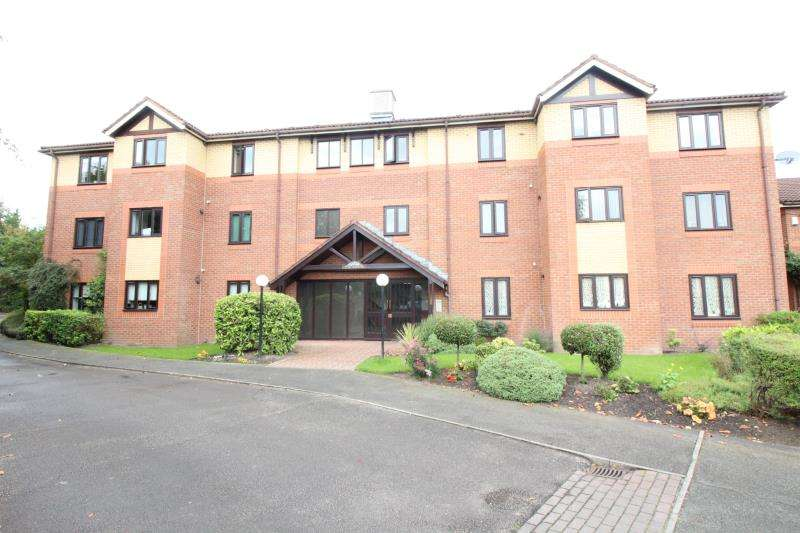 1 Bedroom Ground Flat for sale in The Aspens, Brookside Road, Gatley