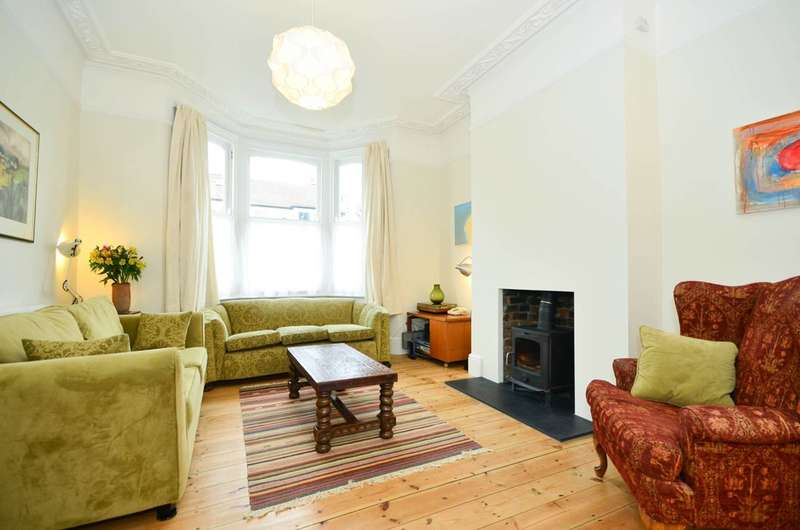 4 Bedrooms House for rent in Leyspring Road, Leytonstone, E11