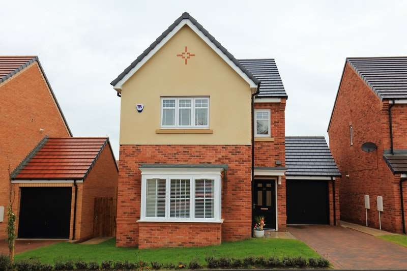 4 Bedrooms Detached House for sale in Aberford Drive, Houghton Le Spring, Tyne and Wear, DH4