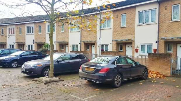 2 Bedrooms Terraced House for sale in Odell Walk, London