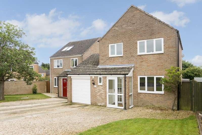 3 Bedrooms Link Detached House for sale in Holliers Crescent, Middle Barton, Chipping Norton