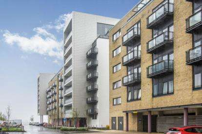 2 Bedrooms Flat for sale in Davaar House, Ferry Court, Cardiff, Caerdydd