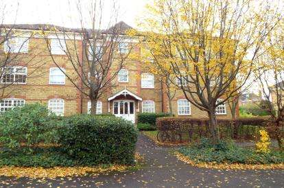 1 Bedroom Flat for sale in Sutton House, 1 Hansen Drive, Winchmore Hill, London