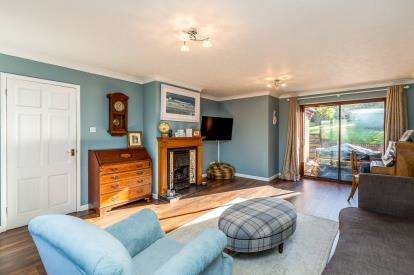 4 Bedrooms Detached House for sale in Old Forge Close, Tingewick, Buckingham, Buckinghamshire