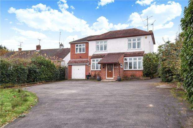 5 Bedrooms Detached House for sale in Loddon Bridge Road, Woodley, Reading