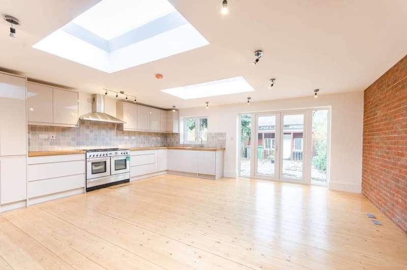 4 Bedrooms House for rent in Harlesden Gardens, Harlesden, NW10