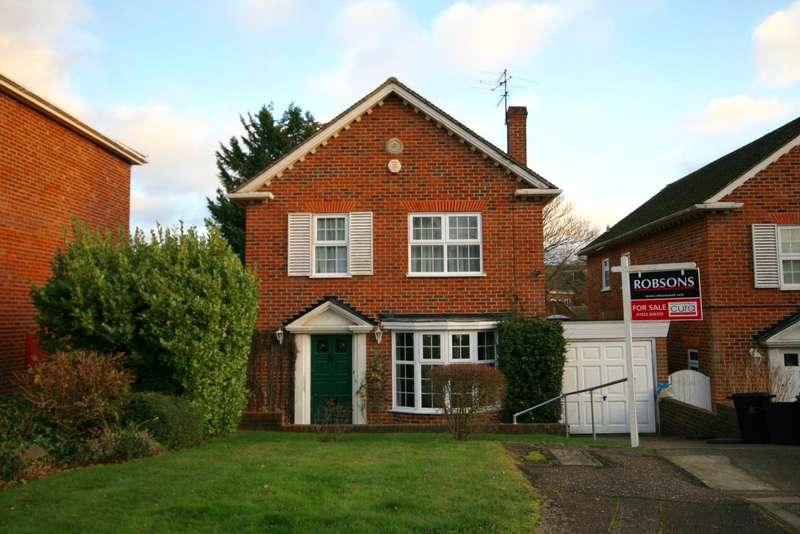 3 Bedrooms Detached House for sale in Greenheys Close, Northwood