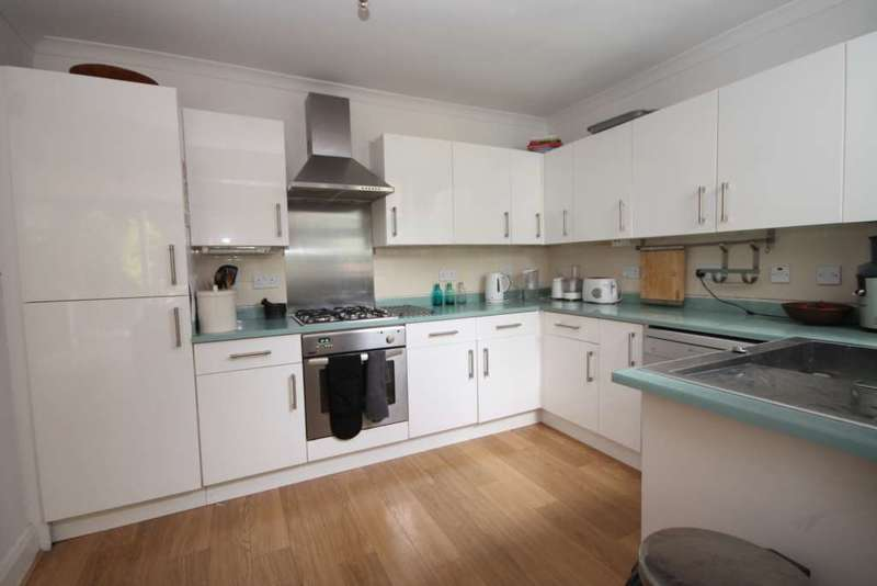 House Share for rent in Willersley Avenue, Sidcup