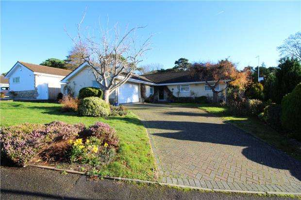 3 Bedrooms Detached Bungalow for sale in Canford Cliffs, Poole, Dorset, BH13