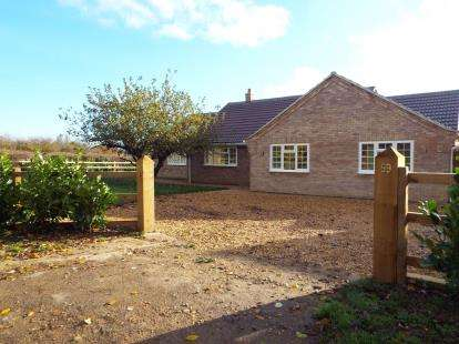 4 Bedrooms Bungalow for sale in Manor Lane, Langham, Oakham, Rutland