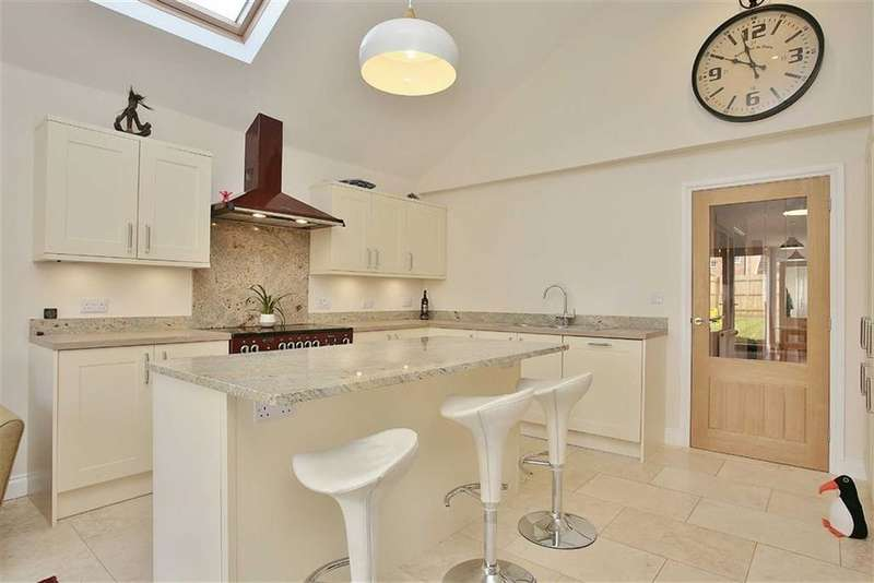 3 Bedrooms Detached Bungalow for sale in Jersey Drive, Banbury, Oxfordshire, OX16