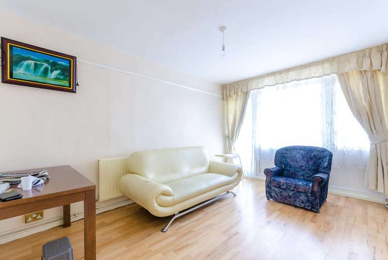 2 Bedrooms Flat for rent in Marchwood Close, Camberwell, SE5