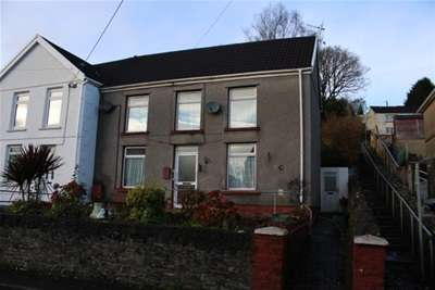 3 Bedrooms Semi Detached House for rent in New Road , Ynysmeduw