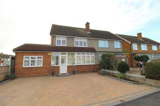 4 Bedrooms Semi Detached House for sale in Lynegrove Avenue, Ashford, Middlesex