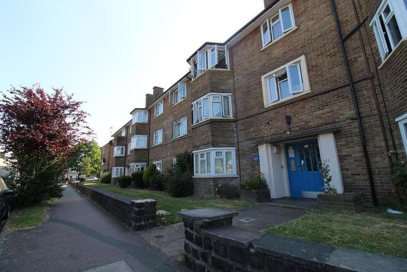 2 Bedrooms Flat for sale in Hertford Road, Waltham Cross, Enfield, EN3 6TP