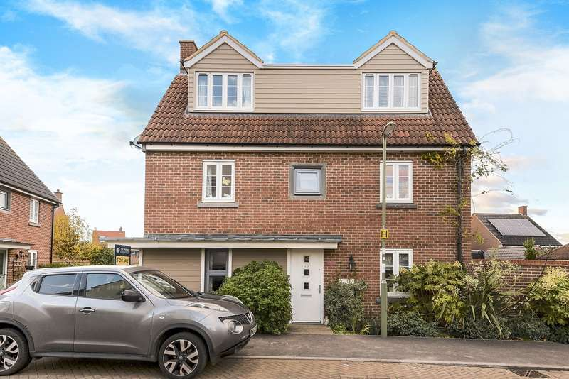 4 Bedrooms Semi Detached House for sale in Gardiner Road, Marnel Park, Basingstoke, RG24