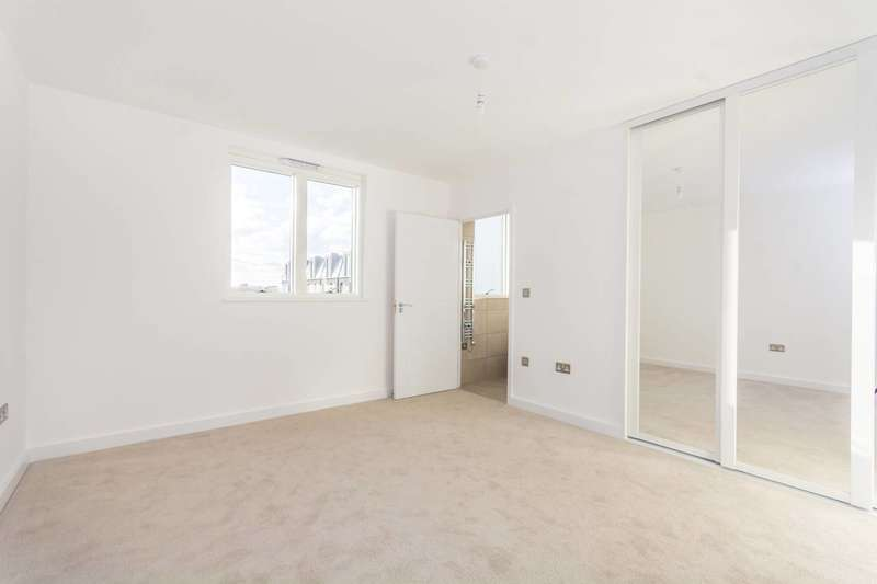 3 Bedrooms Flat for sale in Chobham Manor, Stratford, E20